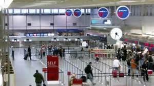 airport-clock